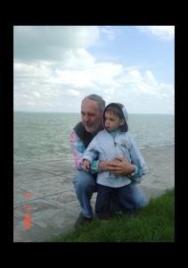 2008, Balatonnál gyermekemmel