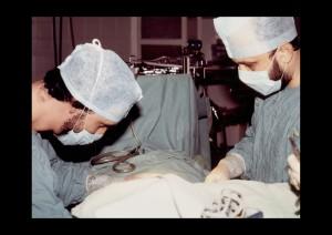 1990, műtét közben